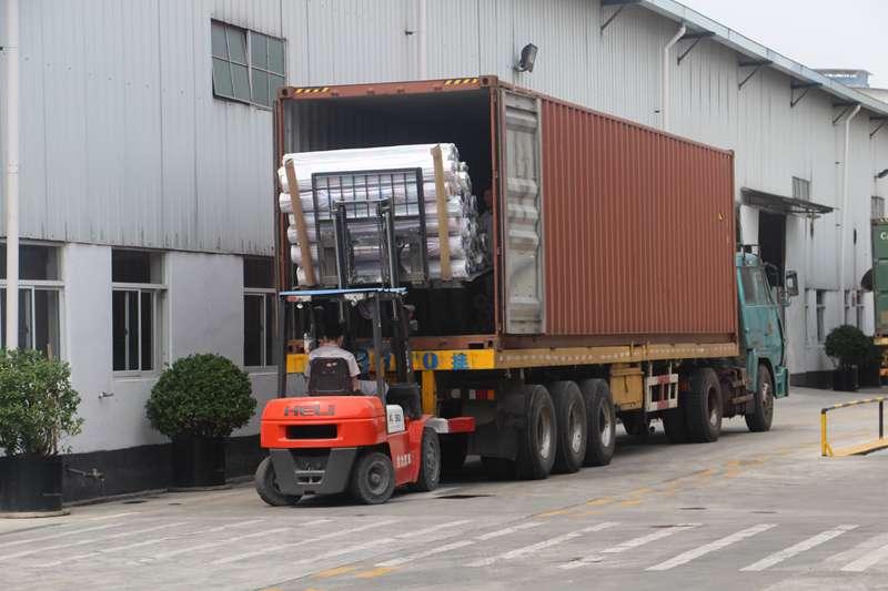 Shipment: 31,800㎡ Red Linoleum Vinyl Flooring